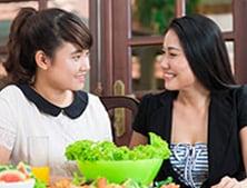 Berbincang dengan ibu-ibu lain tentang dunia si Kecil