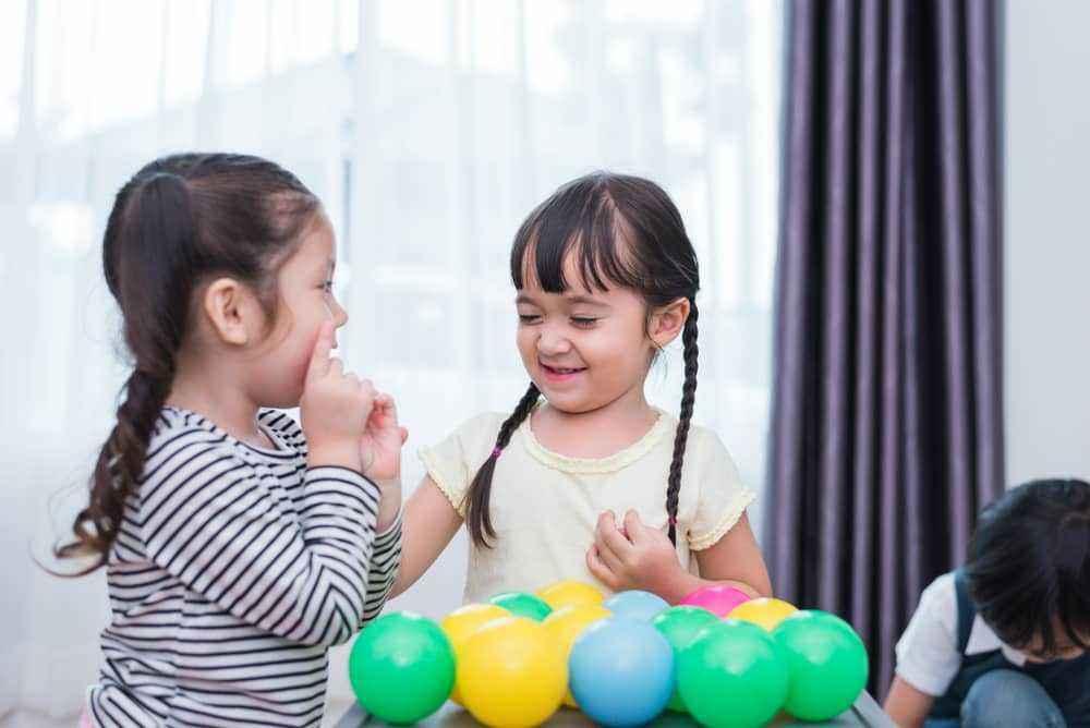 Pentingnya Kemampuan Berbahasa untuk Kecerdasan Sosial Anak