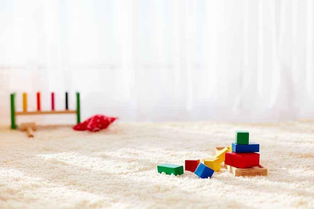Tambahkan Karpet yang Lembut & Tidak Licin