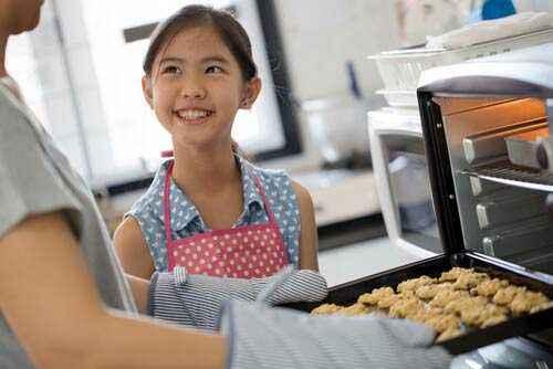 Buat Sendiri Cemilan Sehat untuk Anak