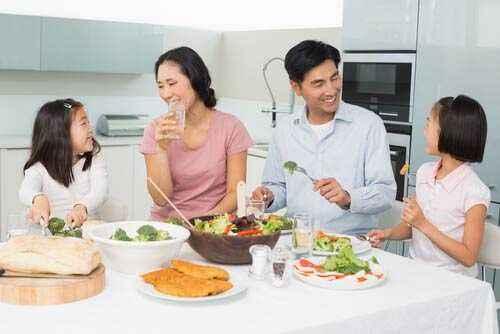 Biasakan Makan Makanan Sehat Sejak Dini