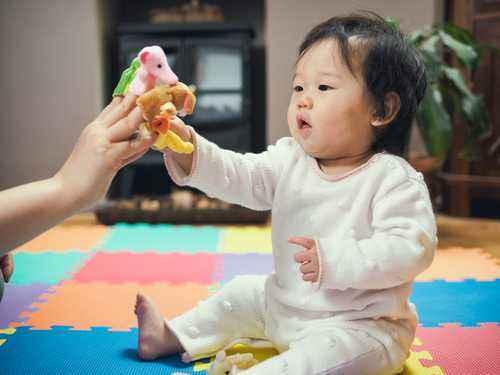 Meningkatkan Kemampuan Bersosialisasi Anak
