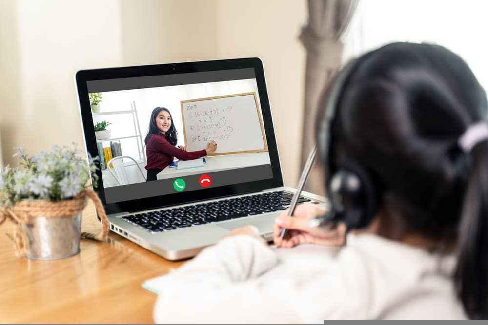 Bantu dengan Aplikasi Belajar Online