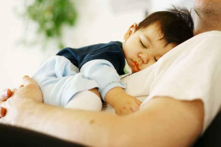 Ayah, Yuk Lakukan Hal Ini agar Ibu Terhindar dari Baby Blues!