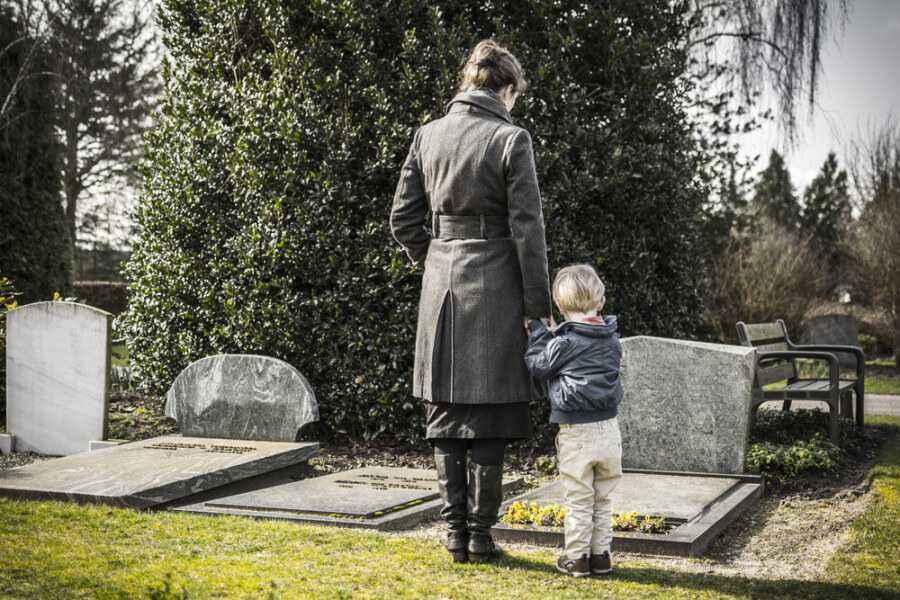 Menjelaskan Kematian pada Anak