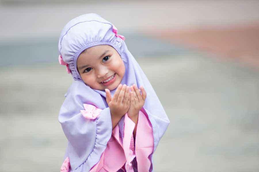 Berapa Umur yang Tepat untuk Mengajarkan Anak Puasa?