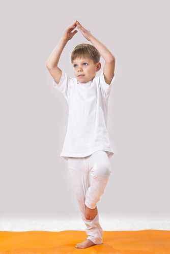 agar anak suka yoga