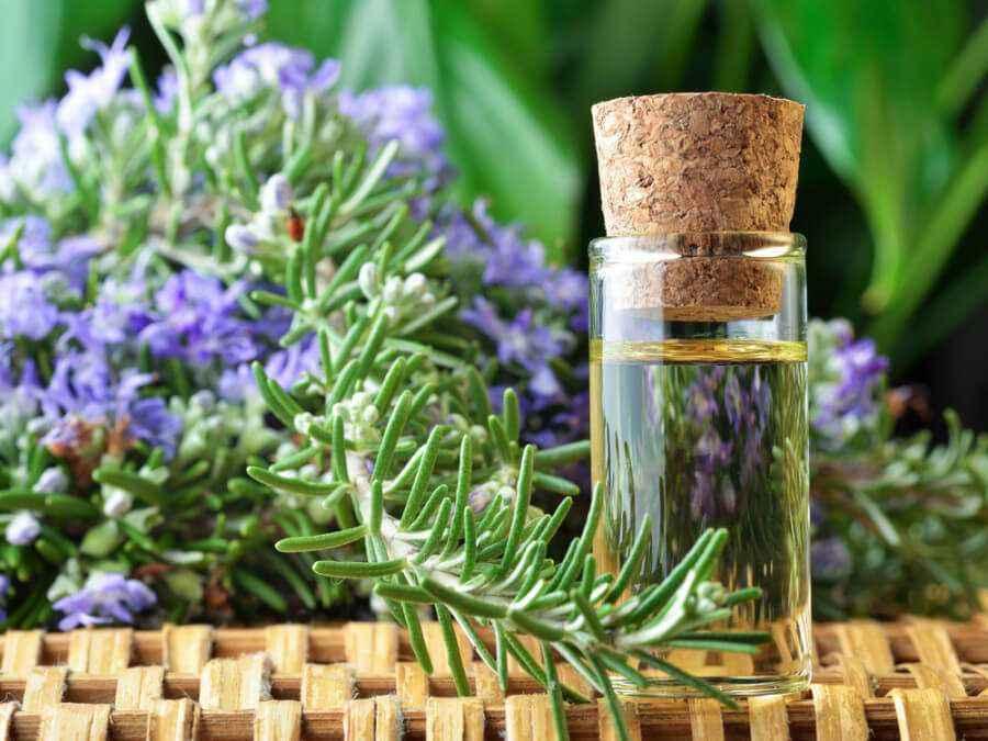 Hindari Minyak Aromaterapi ini Saat Hamil