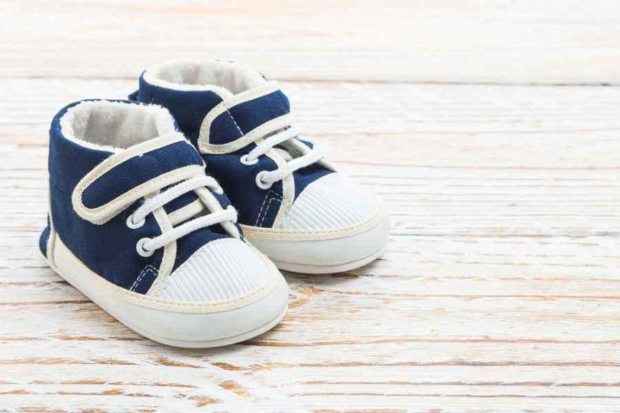 4 Tips Memilih Sepatu untuk si Kecil