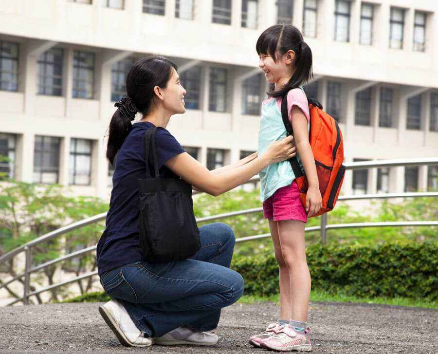 6 Tips Memilih Tas Sekolah Untuk si Kecil