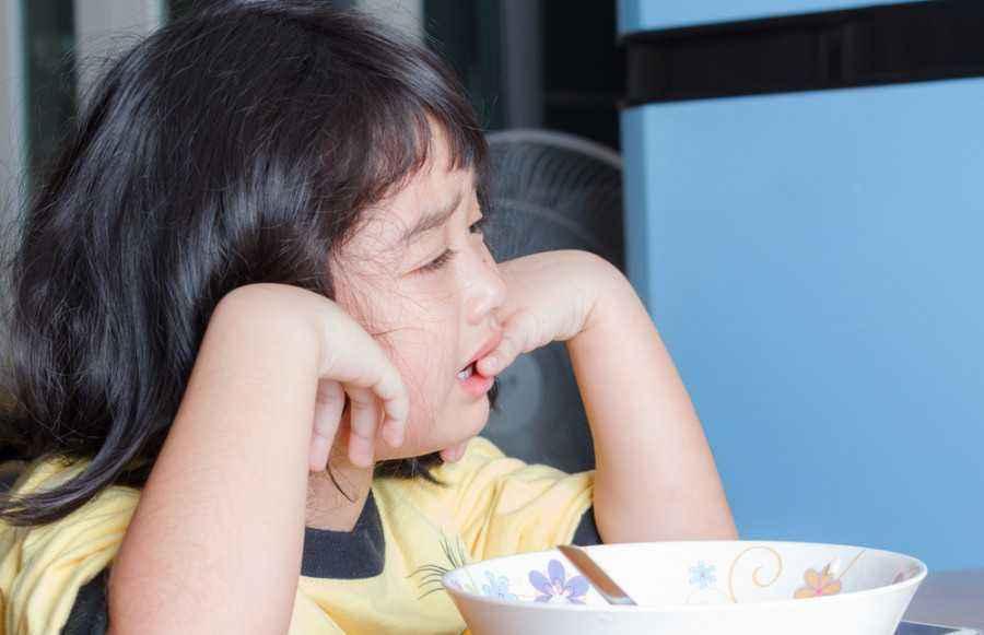 6 Tips agar Anak Semangat Bangun Sahur