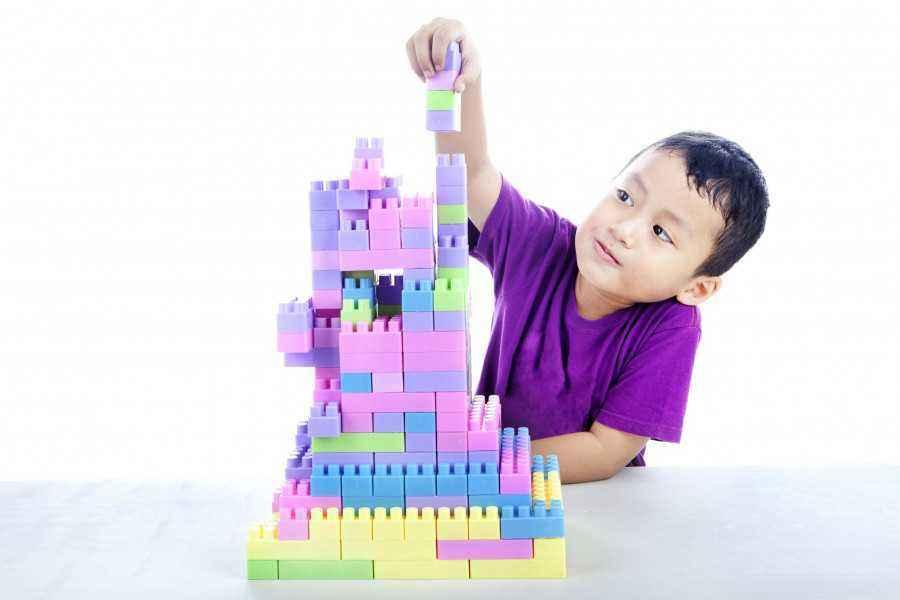 Tahukah Ibu Manfaat Lego untuk Buah Hati?