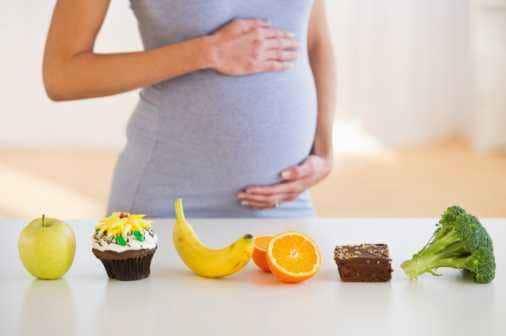 Nafsu Makan Hilang Saat Hamil Muda, Mengapa?
