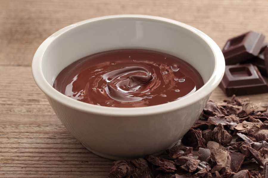 Lezatnya Camilan Saus Coklat