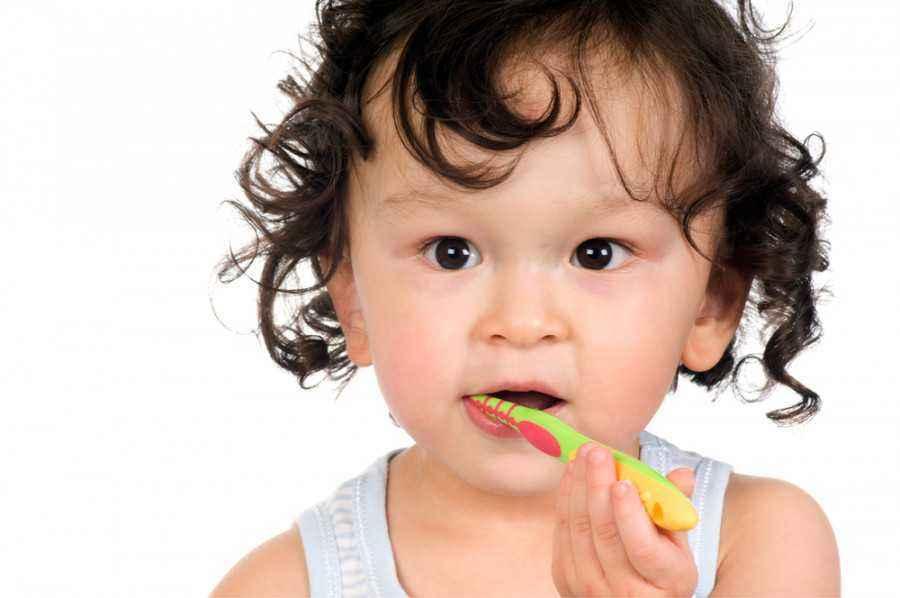 3 Perawatan Mulut Untuk Si Kecil yang Baru Lahir
