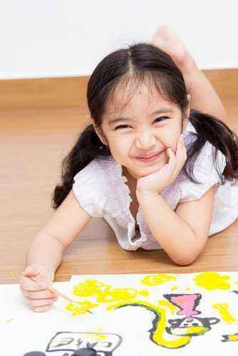 Bermain Warna untuk Melatih Kemampuan Anak