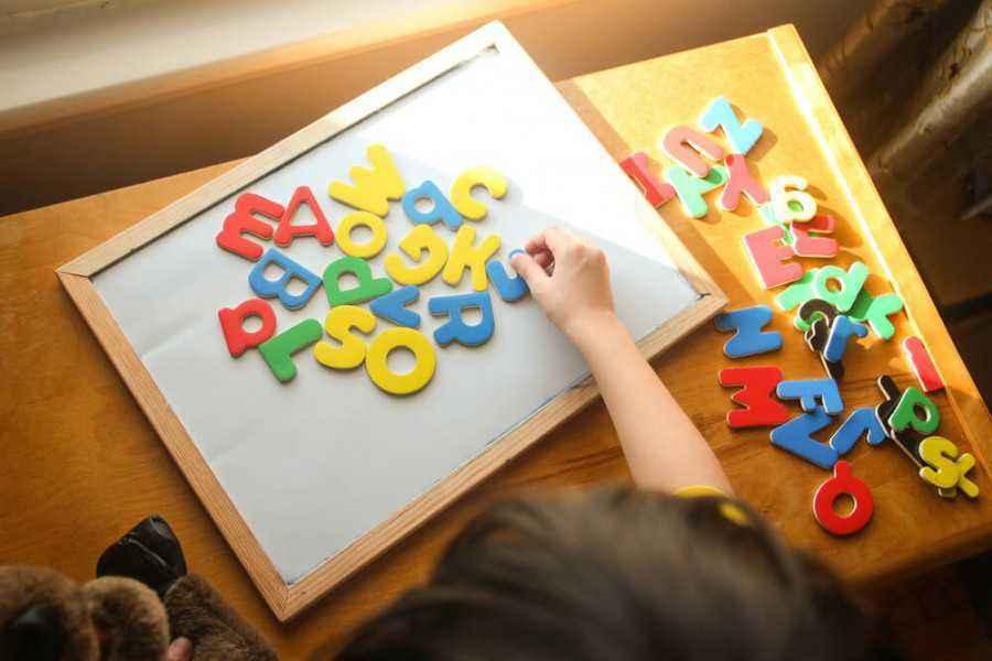 Cara Mengajari Anak Mengenal Huruf Dan Angka