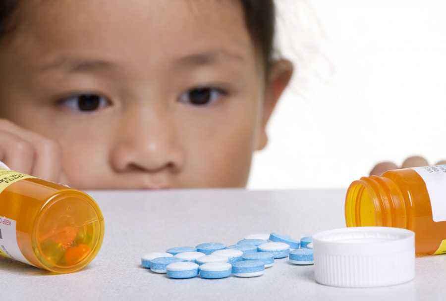 Perawatan Anak Saat Keracunan Obat