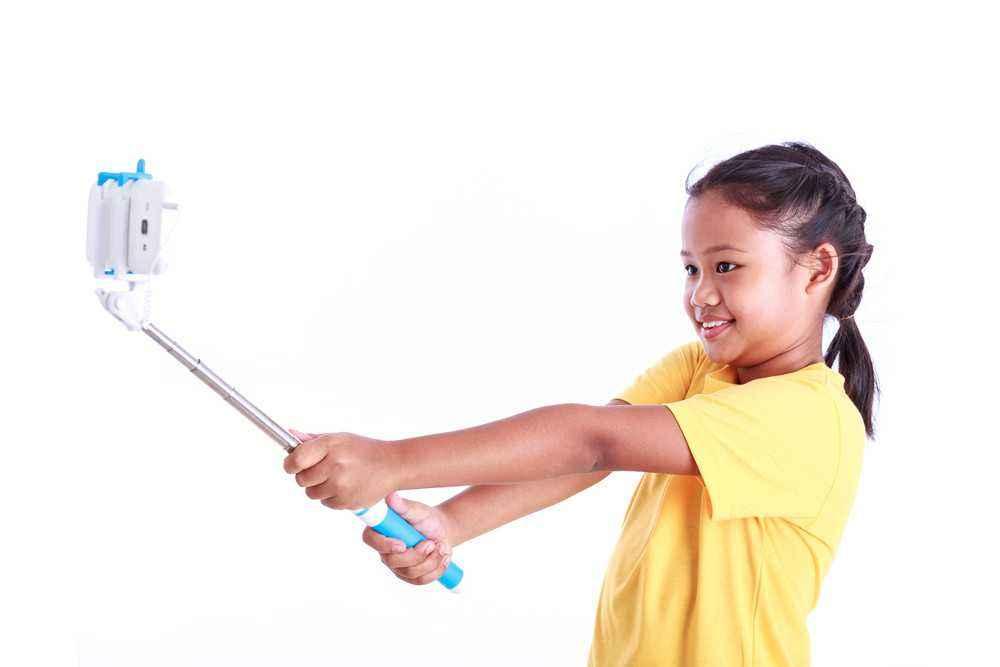Bu, Lakukan 3 Hal Ini Jika si Kecil Suka Selfie!