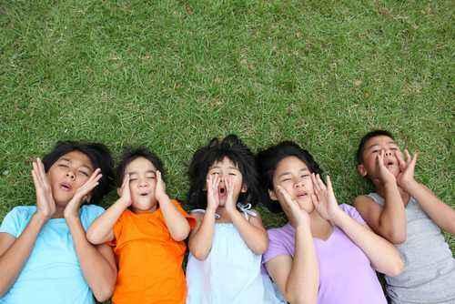 Tips Ajarkan Anak Belajar Toleransi