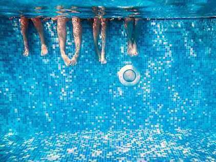 Konsultasi Masalah Anak: Trauma Berenang? Atasi Dengan Cara Ini!