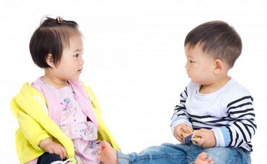 Tips Agar Bayi Bisa Belajar Bersosialisasi