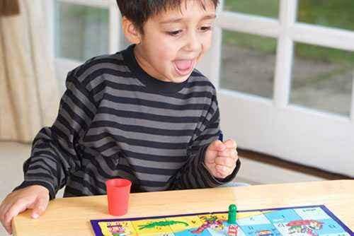 Mainan Anak, Makin Sedikit Makin Baik