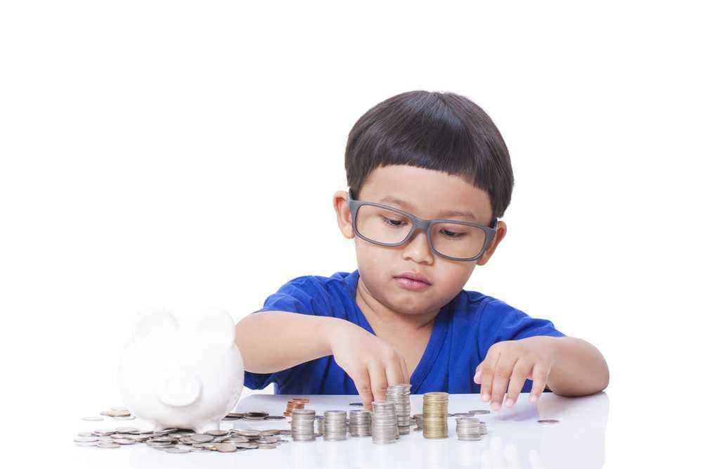 Tips Mengajarkan Uang pada Balita