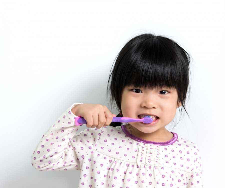 4 Makanan untuk Memperkuat Gigi si Kecil