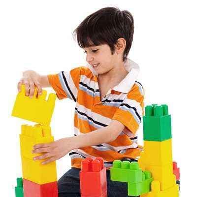 Memilihkan Mainan Untuk Si Kecil