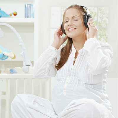Menuai Manfaat Musik bagi Ibu Hamil