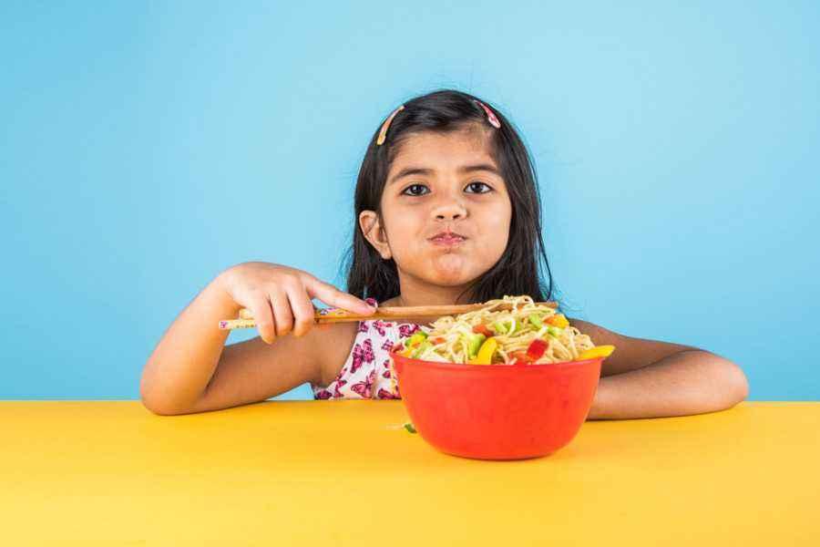Si Kecil Makan Terus, Bahaya atau Tidak?