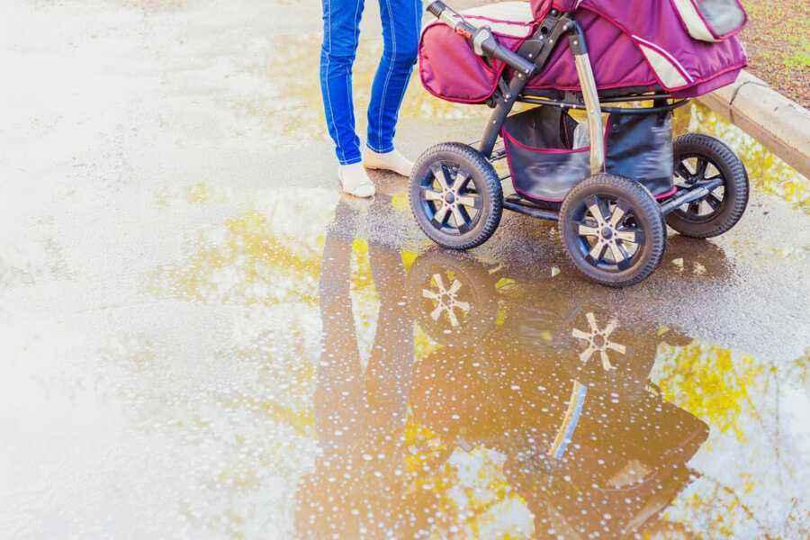 Pentingkah Menjemur Bayi di Pagi Hari?