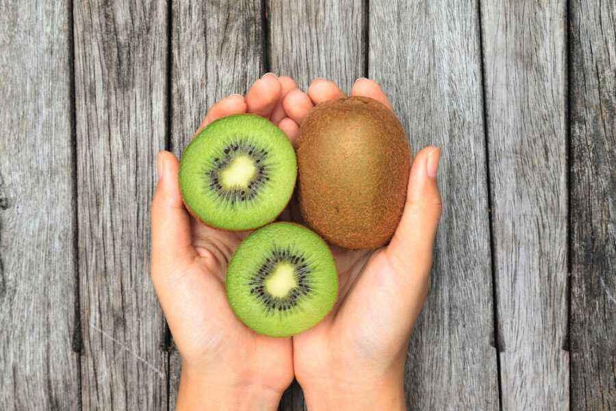 Mengenali Manfaat Tersembunyi Buah Kiwi