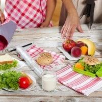 Menjaga Kualitas ASI Melalui Pola Makan