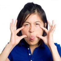 Lakukan 5 Hal Ini untuk Membuat Bayi Tertawa!