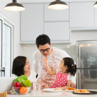 4 Manfaat Mengenalkan Tradisi Keluarga Pada si Kecil