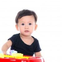 Kiat Mengamankan Bayi Saat Beraktivitas