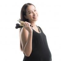 Amankah Mengenakan Make-Up saat Hamil?