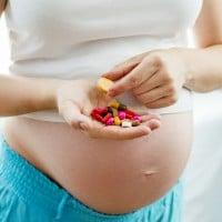 Memilih Obat Bagi Ibu Hamil & Menyusui