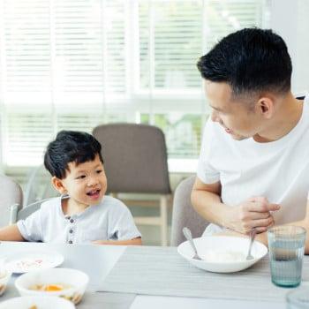 Tahukah, Ibu? Pola Makan si Kecil Juga Menurun dari Ayah