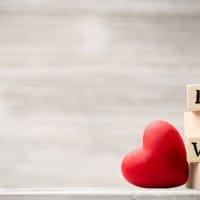 5 Cara Bayi Ungkapkan Rasa Cintanya