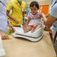 Kenali Efek Samping Imunisasi & Cara Mengatasinya