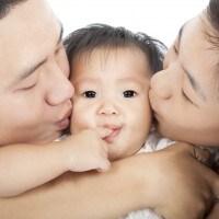 Trik Berbagi Tugas Dengan Ayah dalam Merawat Bayi