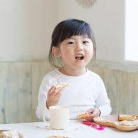 Kenali Pola Makan Sehat untuk si Kecil Selama Berpuasa