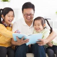 3 Aktivitas Seru Ngabuburit Ayah Bersama si Kecil