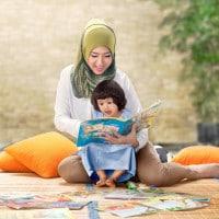 Cara Bercerita pada Anak Sesuai Tahap Tumbuh Kembangnya
