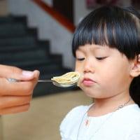 4 Tips dan Trik Membuat si Kecil Suka Sarapan