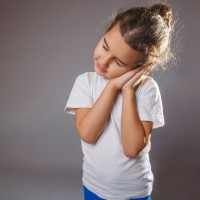 Penyebab Tidur Berjalan pada Anak dan Cara Mengatasinya