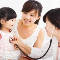 5 Hal yang Perlu Diperhatikan Sebelum Memilih Dokter Anak